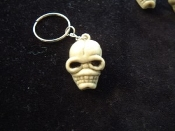 Creepy Severed Walking Dead ZOMBIE HEAD SKELETON SKULL KEYCHAIN - Headhunter Pirate Gothic Wiccan Witch Doctor Grim Reaper Monster Ghoul Cosplay Halloween Costume Jewelry - Weird strange voodoo ghoulish amulet talisman charms for Day of the Dead