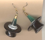TOP HAT & CHAMPAGNE BOTTLE EARRINGS Plastic, 3-D Mini CHAMPAGNE BOTTLE in TOP HAT charm. Celebrate!!!