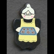 GRANNY COOKIE BAKING BUTTON PIN BROOCH - Cooking Baker Jewelry