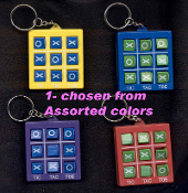 TOSS ACROSS TIC-TAC-TOE PUZZLE GAME KEYCHAIN - HUGE Retro Novelty Toy Jewelry - Really Works! 1-chosen from assorted colors, as pictured.